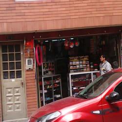 Tienda de Barrio Carrera 70 con 72B en Bogotá