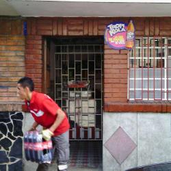Tienda Calle 77 con 69B en Bogotá