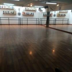 Academia de Baile Golden Cedritos en Bogotá