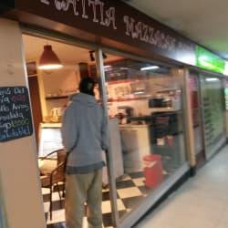 Mattia Mazzacan Caffe en Santiago
