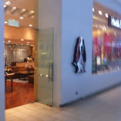 Hush Puppies - Mall Plaza Egaña en Santiago
