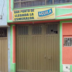 Bar punto de llegada a la esmeralda en Bogotá