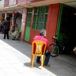 Cigarreria la 74 D' J.R.C en Bogotá