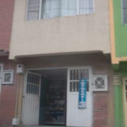 Tienda de Barrio Transversal 50 con 71 en Bogotá