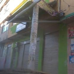 Videotienda Calle 2 con 86B en Bogotá