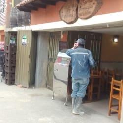 Restaurante Y Piqueteadero Los Barriles en Bogotá