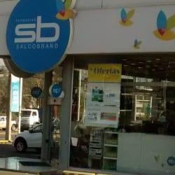 Farmacias Salcobrand - Cuidad Empresarial en Santiago