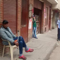 Papeleria Carrera 16 con 181 en Bogotá