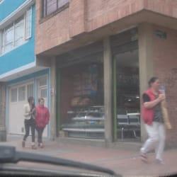 Panaderia Calle 52A con 77R en Bogotá