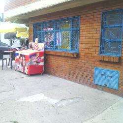 Cafeteria Calle 98A con 69B en Bogotá