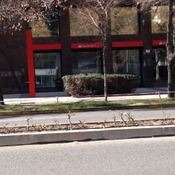 Banco Santander - Gertrudis Echeñique en Santiago