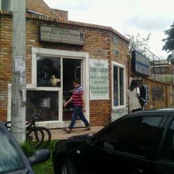 Sastreria Arturo Sinisterra en Bogotá