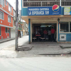 Pandería cafetería La Esperanza 109 en Bogotá