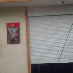 Tienda de Barrio Calle 25B con 85B en Bogotá