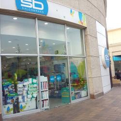 Farmacias Salcobrand - Mall Plaza Oeste  en Santiago