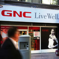 GNC Live Well - Huérfanos en Santiago