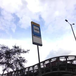 Paradero SITP Estación Ricaurte - 180A00 en Bogotá