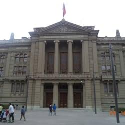 Palacio de Tribunales de Justicia en Santiago