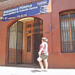 Biblioteca Municipal Estación Central en Santiago