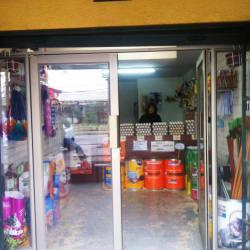 Tienda de Artículos de Aseo Lucrife en Santiago