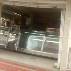 Distribuidora Prado Veraniego Mac Pollo en Bogotá