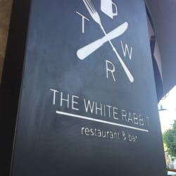 The White Rabbit en Santiago