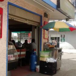 Panadería Y Pastelería Manjares Del Valle  en Bogotá