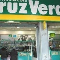 Farmacias Cruz Verde - La Florida / Retamo en Santiago