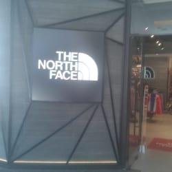 The North Face - Casa Costanera en Santiago