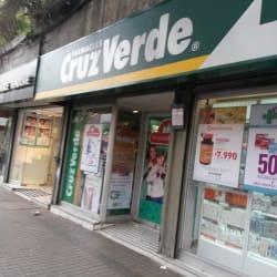 Farmacias Cruz Verde - Providencia / Luis Thayer Ojeda en Santiago