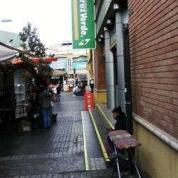 Farmacias Cruz Verde - Campbell en Santiago