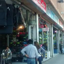 Comercial Liang Li en Santiago