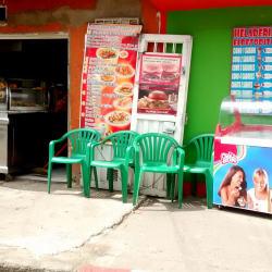 Comidas Rapidas J y F en Bogotá