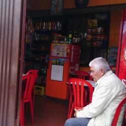 Tienda de Barrio Calle 137 en Bogotá