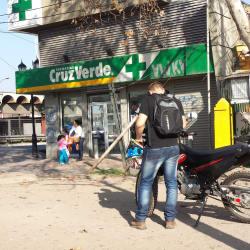 Farmacias Cruz Verde - Metro Rondizzoni  en Santiago