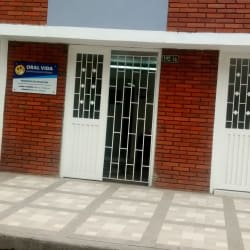 Oral Vida Odontologia Integral  en Bogotá
