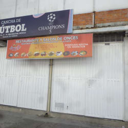 Restaurante Y Salon De Onces Royal en Bogotá