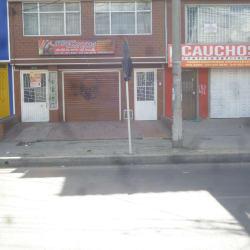 Almacen y Taller Jose Motos en Bogotá