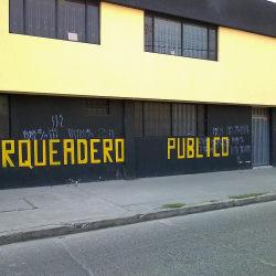 Parqueadero Publico Carrera 102 Calle 16 B en Bogotá