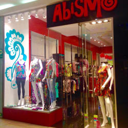 Abismo - Mall Plaza Egaña en Santiago