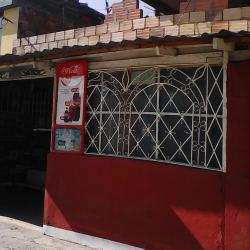 Tienda De Barrio Carrera 106 en Bogotá