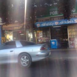 Botillería Portezuelo - Gran Avenida / Domingo Correa en Santiago