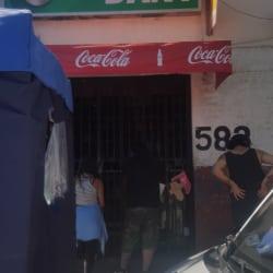 Botillería Dany - Rawson / Av. Recoleta en Santiago