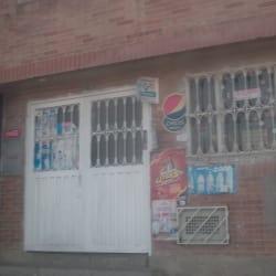 Tienda de Barrio Calle 51 con 90 en Bogotá