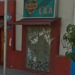 Botillería L&A en Santiago