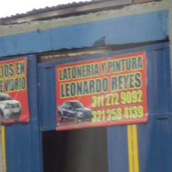 Latoneria y Pintura Leonardo Reyes  en Bogotá