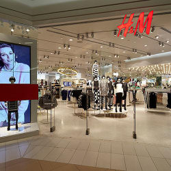 H&M - Mall Florida Center  en Santiago