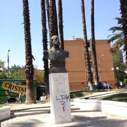 Estatua Arturo Prat en Santiago