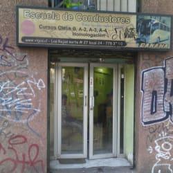 Escuela de conductores GB & Vigo's lo Prado  en Santiago