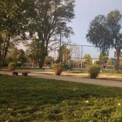 Plaza San German / Los Tamarindos en Santiago